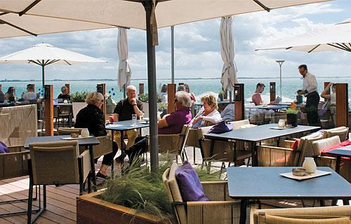 Terras van Restaurant Arion in Vlissingen.