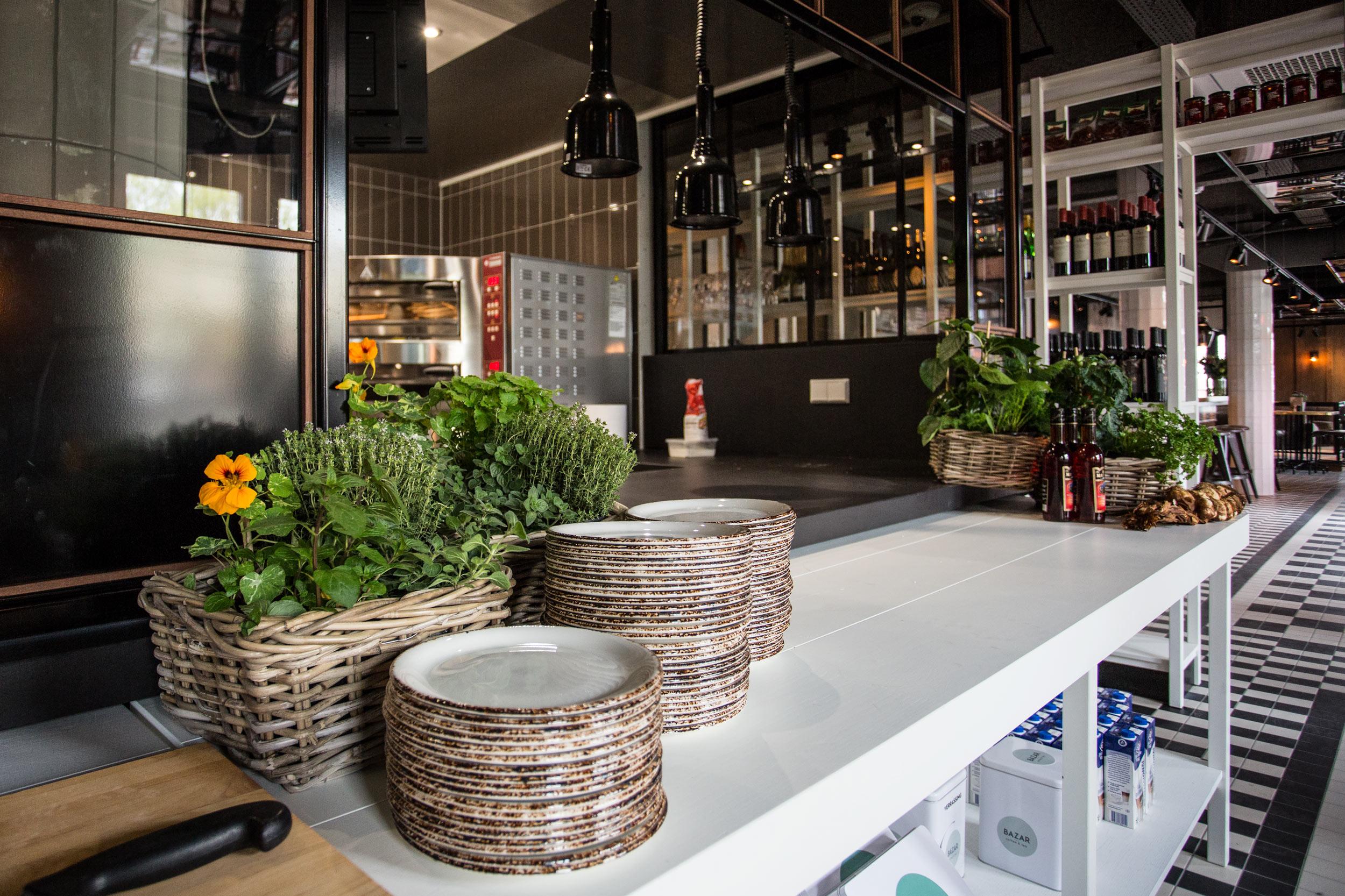 Interieur van Grand Cafe Blur in Dishoek.