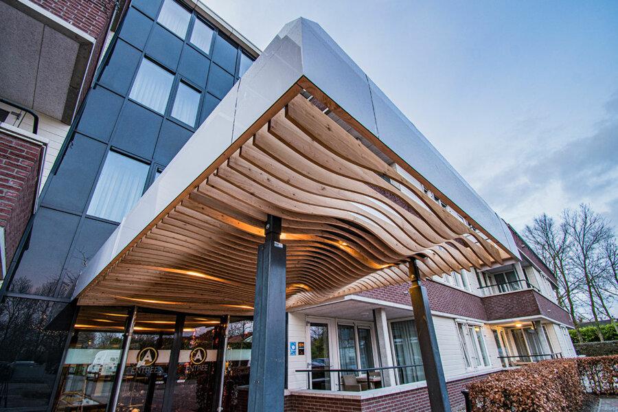 Entree van Hotel Restaurant De Kamperduinen in Kamperland.