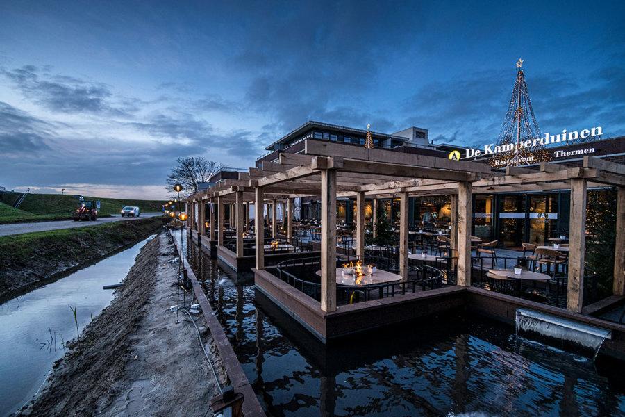 Terras van Restaurant De Kamperduinen in Kamperland.