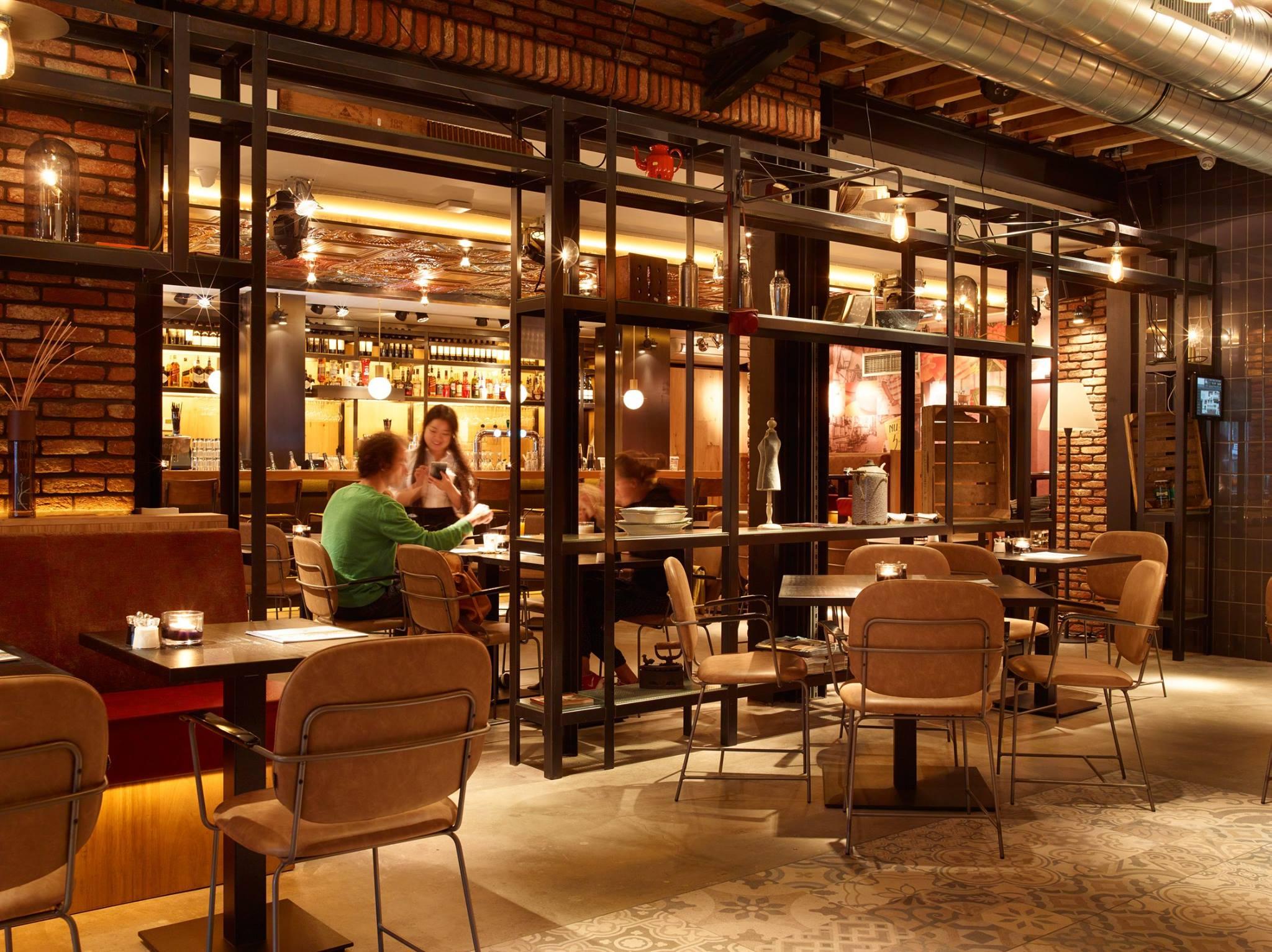 MarktCafe Restaurant binnen in Middelburg