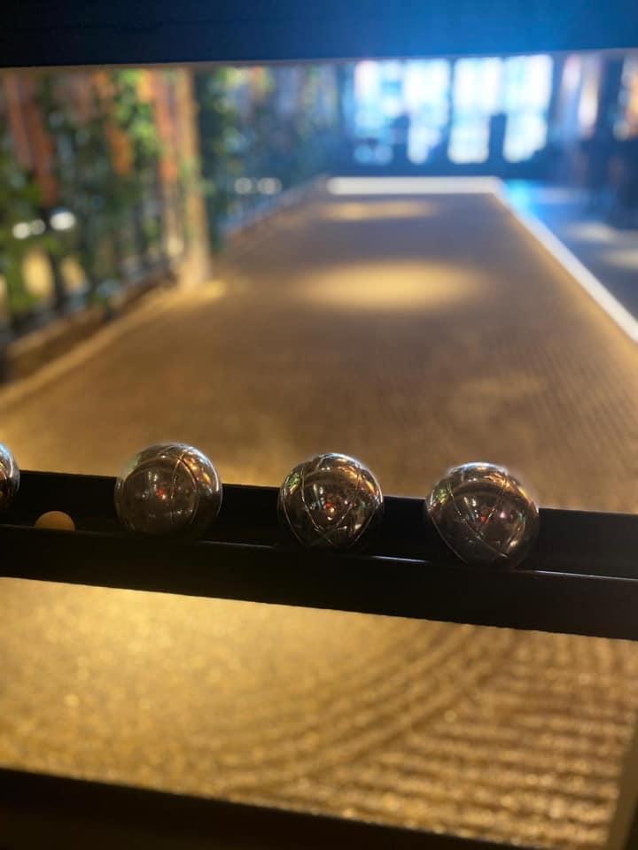Amadore Het Postkantoor Goes closeup jeu de boules ballen